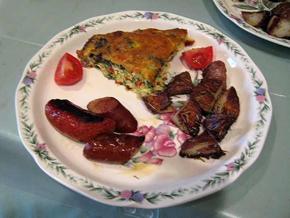 Frittata, rosemary potatoes, mango chicken sausage