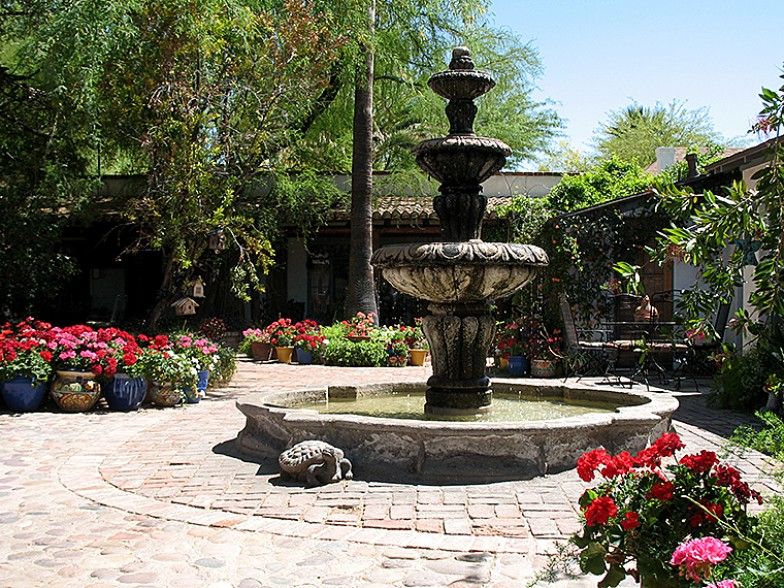 El Presidio Inn Courtyard Fountain